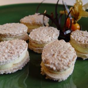 Kokosové oválky s vanilkovým krémom