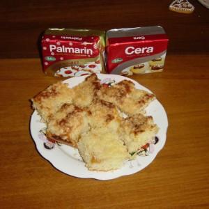 Broskyňový koláč s posýpkou