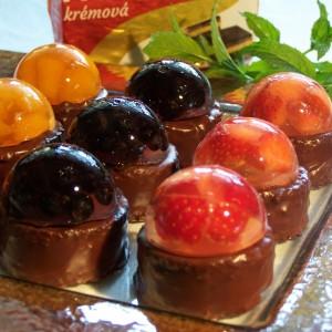 Čokoládové koláčiky s ovocným želé