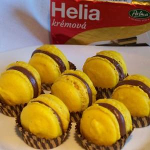 Mandľové macarons s čokoládovým krémom