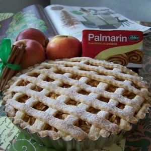 Jablkovo-škoricový mriežkovaný koláč