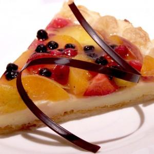 Lístkový koláč s vanilkovým krémom a ovocím