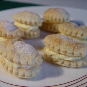 Lístkové koláčiky s vanilkovým krémom