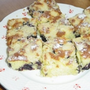 Čučoriedkový koláč s posýpkou