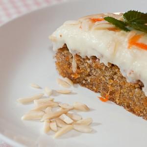 Mrkvový koláč s polevou