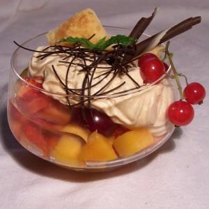 Lístkové koláčiky s karamelovou penou a ovocím
